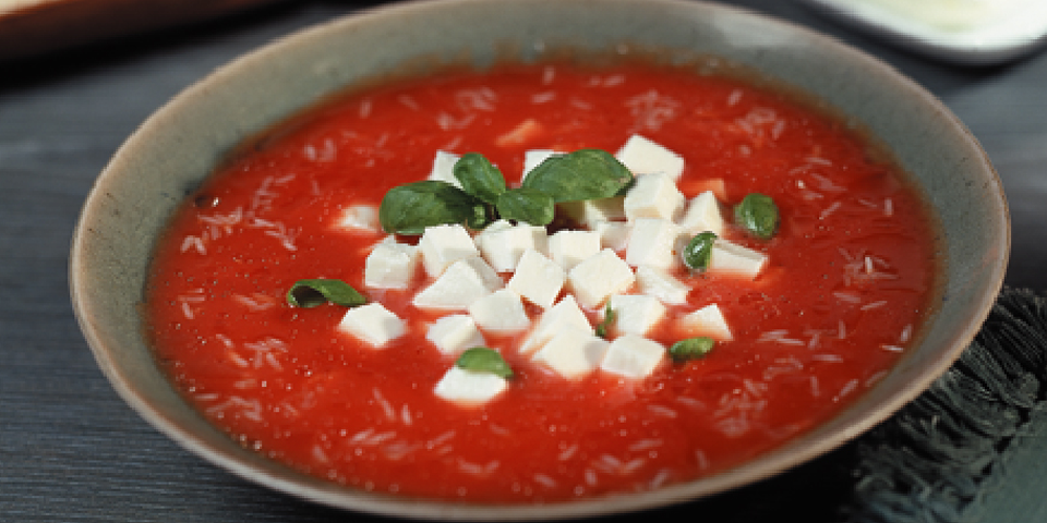 Large Image of Tomato Soup with Fresh Mozarella
