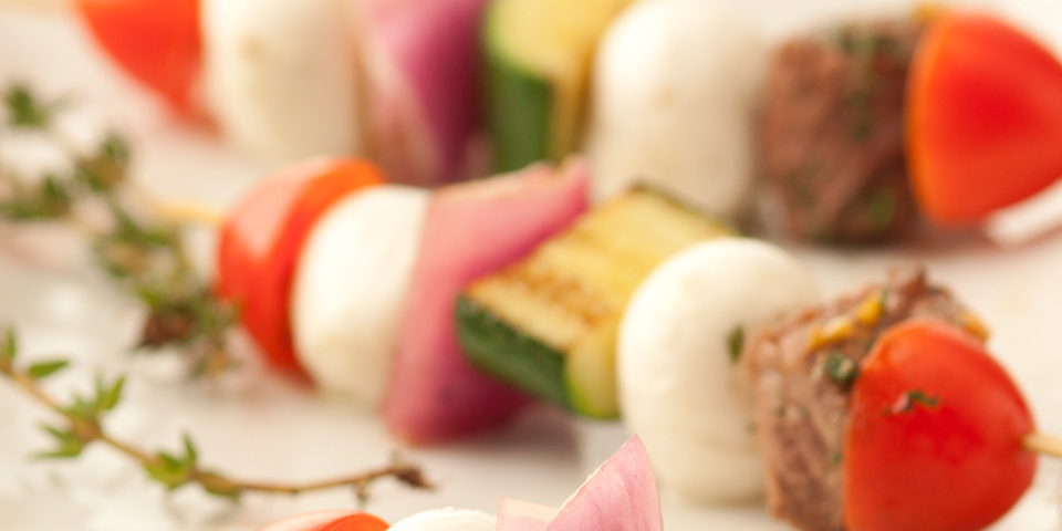 Large Image of Grilled Beef Skewers with Fresh Mozzarella