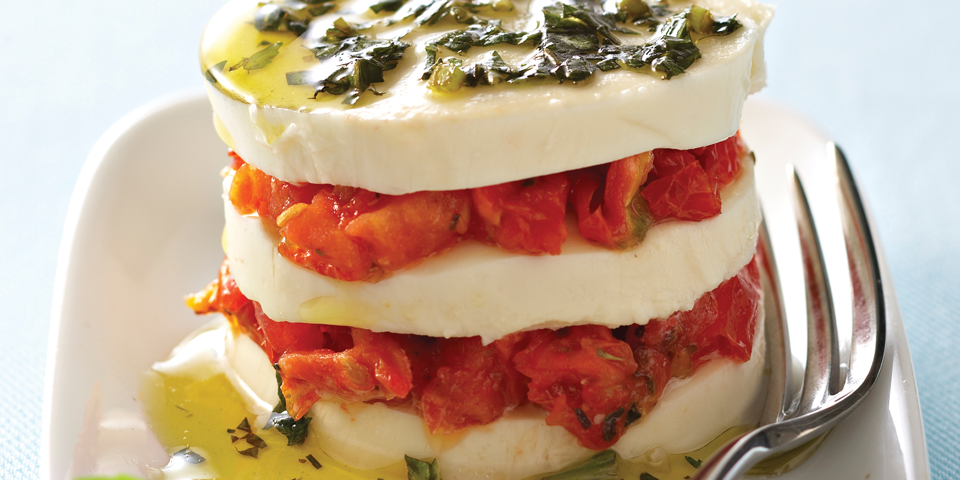 Large Image of Caprese Salad with Sundried Tomatoes
