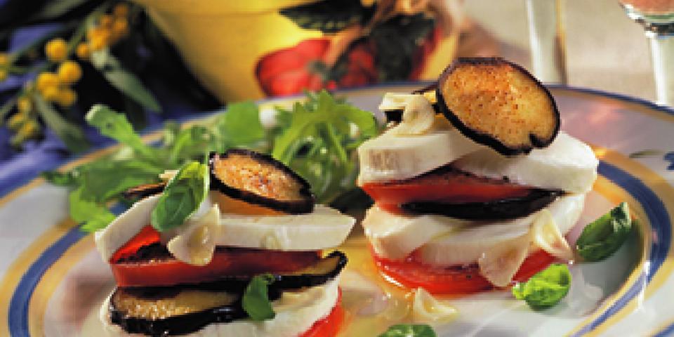 Large Image of Fresh Mozzarella alla Torre di Pisa
